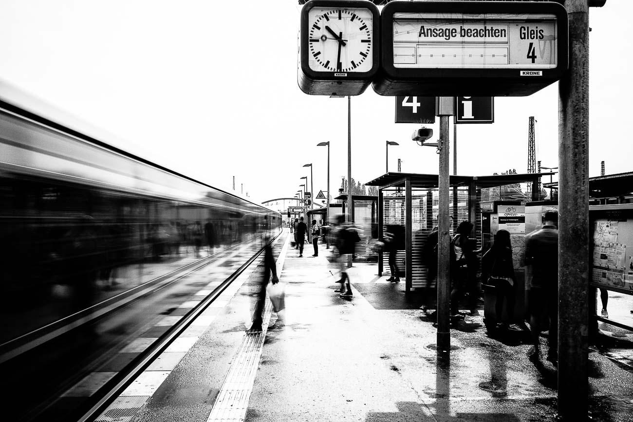 street photography blur Martin U Waltz