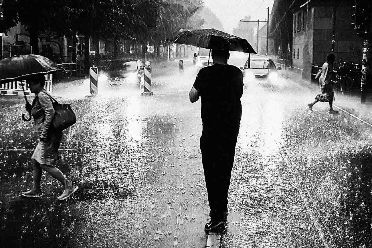 Martin U Waltz fotografiert im Regen
